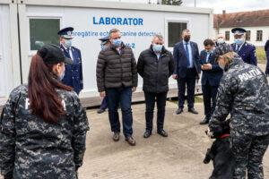 caini antrenati pentru detectarea persoanelor infectate cu virusul sars-cov-2 la centrul chinologic al politiei romane de la sibiu